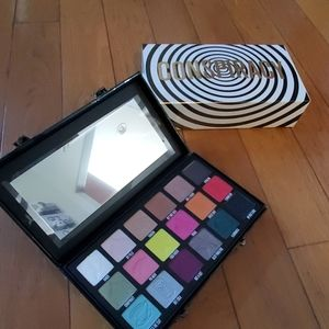 JEFFREE STAR SHANE DAWSON CONSPIRACY PALLETTE